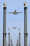 Vliegtuig en luchthaven royalty-vrije stock afbeelding
