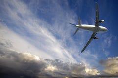 Vliegtuig en slecht weer royalty-vrije stock foto's