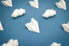 Vliegtuig en Wolkenpatroon Stock Fotografie