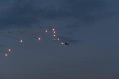 Vliegtuig het dalen bommen royalty-vrije stock afbeelding