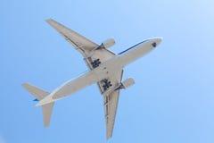 Vliegtuig het opstijgen Stock Afbeeldingen