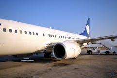Vliegtuig in luchthaven van Ercan, Cyprus Stock Fotografie