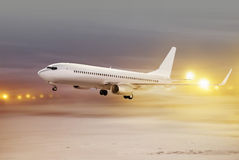 Vliegtuig in niet-vliegt weer Stock Foto's