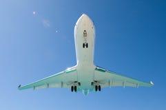 Vliegtuig onder buik Stock Afbeeldingen