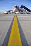 Vliegtuig op baan Royalty-vrije Stock Foto