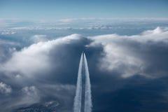 Vliegtuig op de horizon sk Stock Fotografie