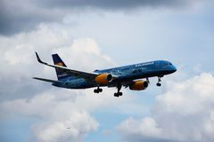 Vliegtuig van Icelandair royalty-vrije stock afbeeldingen