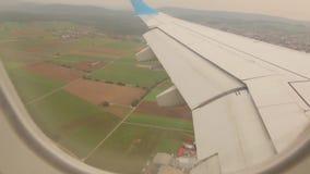 Vliegtuig Wing Above The Land stock videobeelden