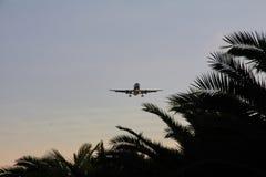 Vliegtuigen in Benadering Royalty-vrije Stock Foto's