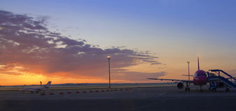 Vliegtuigen bij airpot 1 Stock Foto's