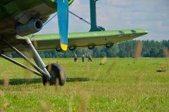 Vliegtuigen bij de luchthaven Royalty-vrije Stock Afbeelding