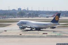 Vliegtuigen bij de Luchthaven van Frankfurt Stock Fotografie