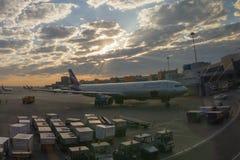 Vliegtuigen bij de Sheremetyevo Luchthaven Stock Afbeelding