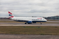 Vliegtuigen British Airways bij de luchthaven van Heathrow, Londen Royalty-vrije Stock Foto's
