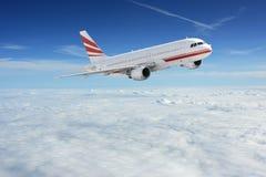 Vliegtuigen in de hemel Royalty-vrije Stock Foto's