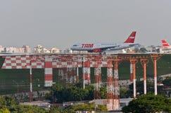 Vliegtuigen Departuring in Congonhas Royalty-vrije Stock Foto's