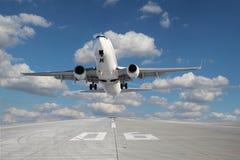 Vliegtuigen het opstijgen Royalty-vrije Stock Foto's