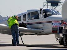 Vliegtuigen het van brandstof voorzien royalty-vrije stock afbeeldingen