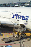 Vliegtuigen klaar voor het inschepen Royalty-vrije Stock Afbeeldingen