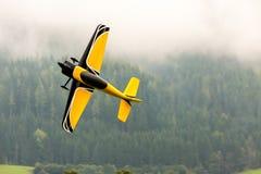 Vliegtuigen - ModelAircraft - lage vleugelkunstvliegen Royalty-vrije Stock Fotografie