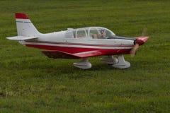Vliegtuigen - ModelAircraft - lage vleugelkunstvliegen Stock Fotografie