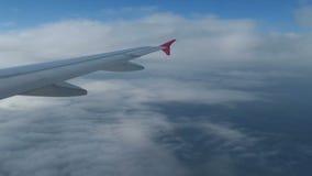 Vliegtuigen naderbij komen die 3 landen stock footage