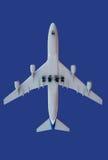 Vliegtuigen op blauw Stock Afbeelding