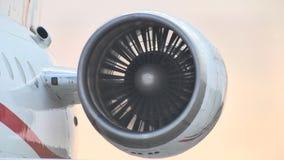 vliegtuigenclose-up Vleugelvliegtuigen stock footage