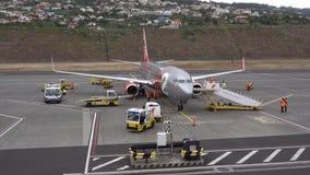 Vliegtuigvoorbereiding stock footage