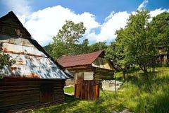 Vlkolinec -有民间建筑学的山村特点中欧类型 的木房子 免版税库存照片