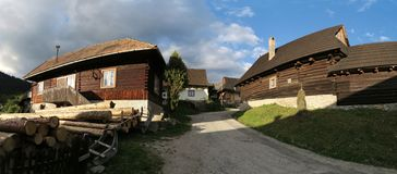 Vlkolinec - slovak by som listas på lista för UNESCOvärldsarv arkivbild
