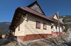 Vlkolinec, Slowakije stock afbeeldingen