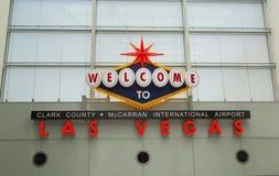 Välkomnandet till Las Vegas undertecknar in McCarran den internationella flygplatsen på Maj 12, 2014 i Las Vegas Arkivfoton