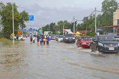 Vloed in Maleisië - Thaise Grens stock fotografie