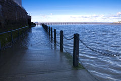 Vloed, Marien meer, Weston Super Merrie, Somerset at high tide Stock Afbeelding