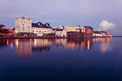 Vloed op de rivier in Galway Royalty-vrije Stock Foto