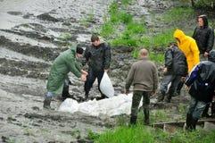 Vloed in Polen - Silesië, Zabrze, rivier Klodnica Royalty-vrije Stock Fotografie