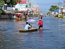 Vloed in Thailand Stock Foto's