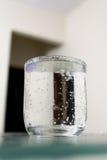 Vloeistof in een glas royalty-vrije stock foto's