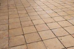 Vloer van tegels wordt gemaakt die royalty-vrije stock afbeelding