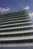 Vloeren van de hoge bouw als treden aan hemel Royalty-vrije Stock Foto's