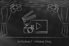 Vlog oder Videoikonen auf Stadium unter Scheinwerfern Lizenzfreies Stockbild