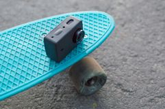 vlogging skateboarding da vida urbana da câmera da ação Fotos de Stock Royalty Free