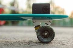 vlogging skateboarding da vida urbana da câmera da ação Fotos de Stock
