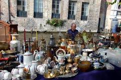 Vlooienmarkt in Brugge, België Stock Afbeeldingen