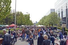 Vlooienmarkt elke eerste dag van Mei in Brussel Stock Fotografie