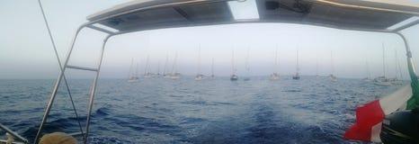 Vloot van boten/Flottiglia Di barche stock fotografie