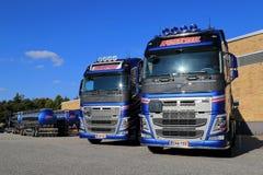 Vloot van de Tankwagens van Volvo FH 500 op een Werf Royalty-vrije Stock Foto