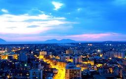 Vlore顶视图城市的夜视图 免版税库存图片