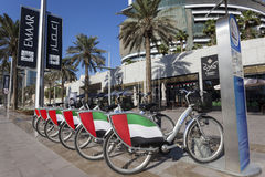 Vélos de location à Dubaï Photo stock
